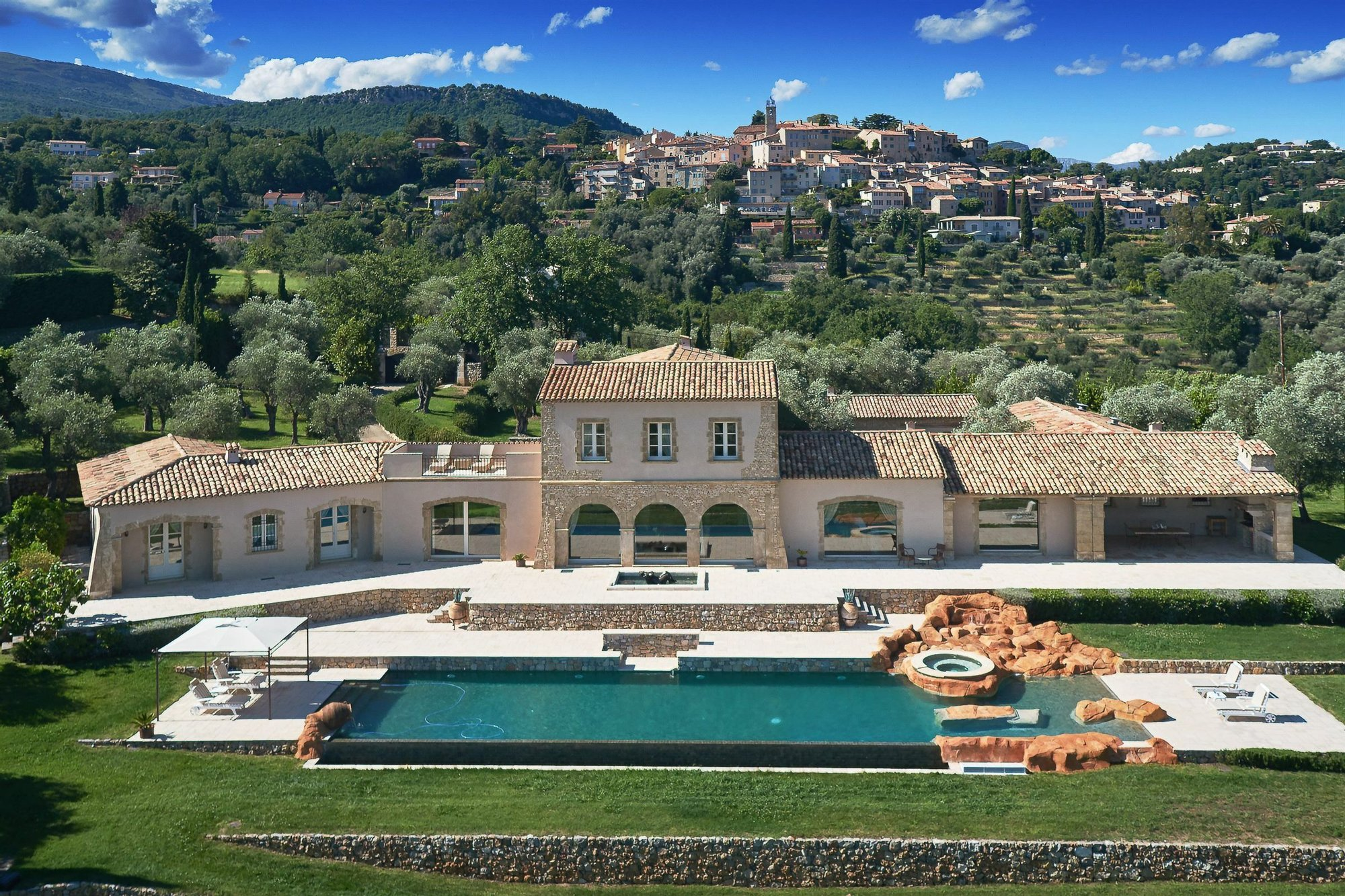 House in Châteauneuf, Provence-Alpes-Côte d'Azur, France 1 - 11406522