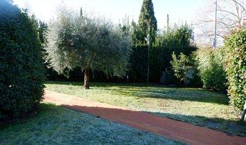 Villa a Lucca, Toscana, Italia 1