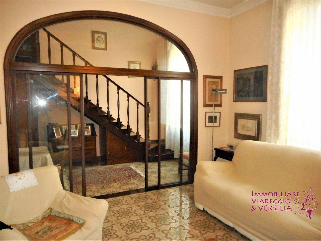 Villa in Viareggio, Tuscany, Italy 1 - 11406172