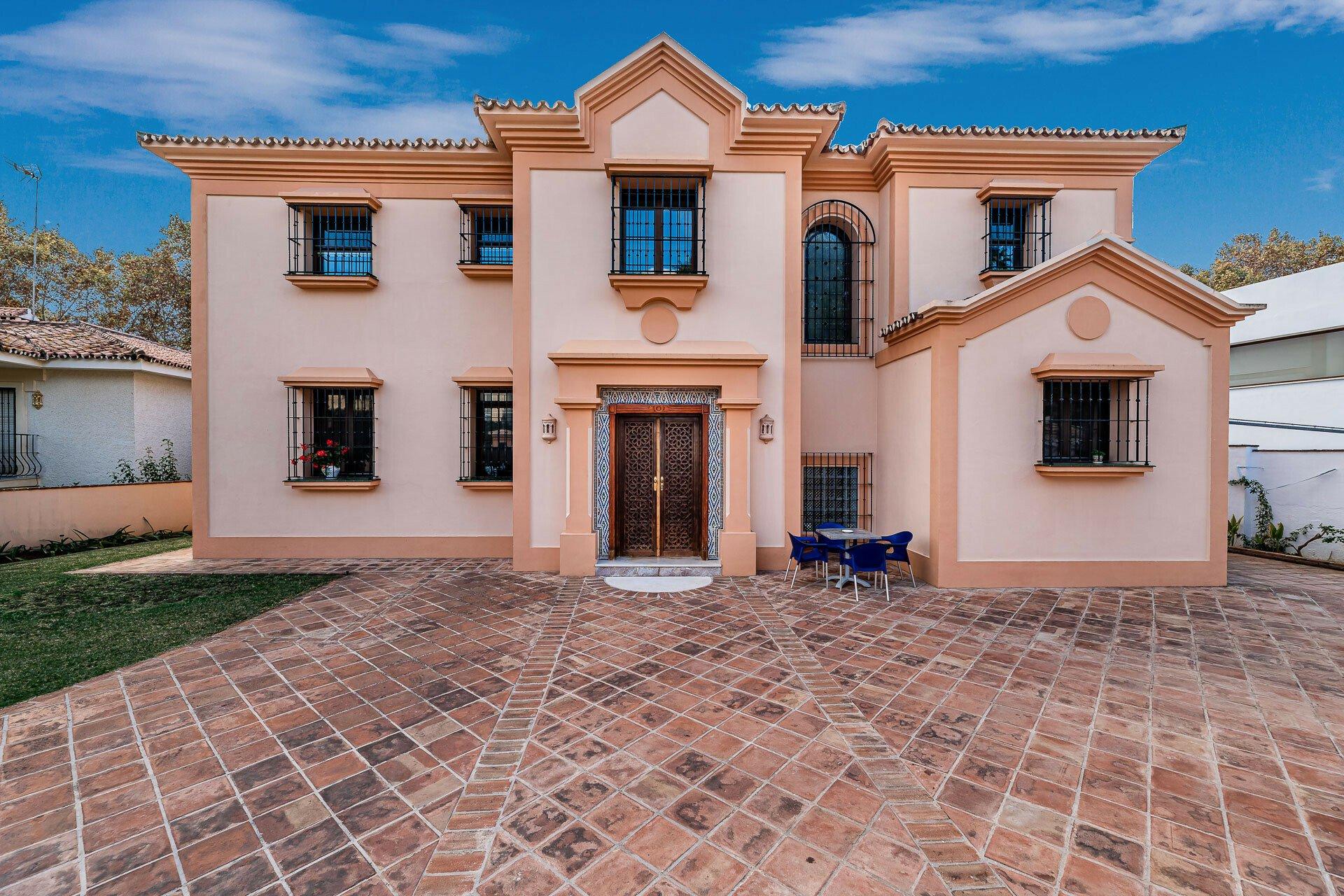 Villa in Marbella, Andalusia, Spain 1 - 11234055