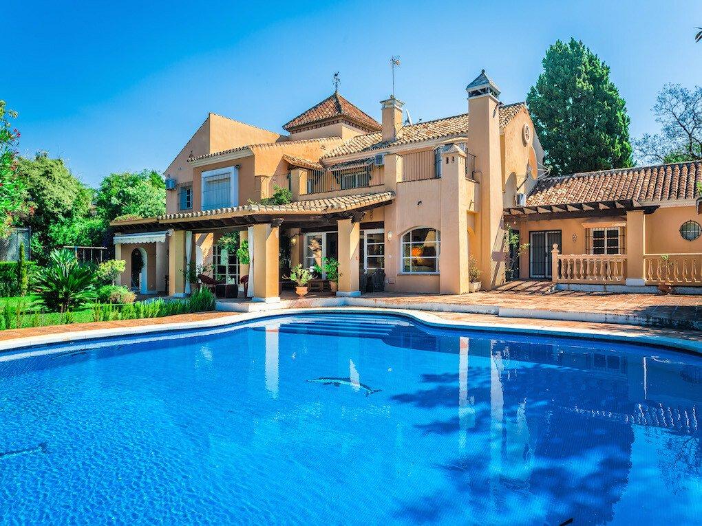 Villa in San Pedro de Alcántara, Andalusia, Spain 1 - 10608359