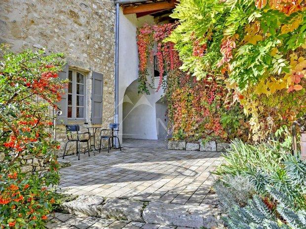 House in Baron, Occitanie, France 1