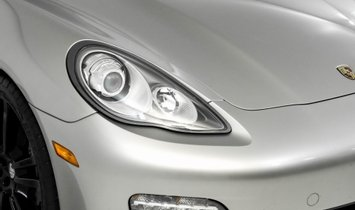 2012 Porsche Panamera 2
