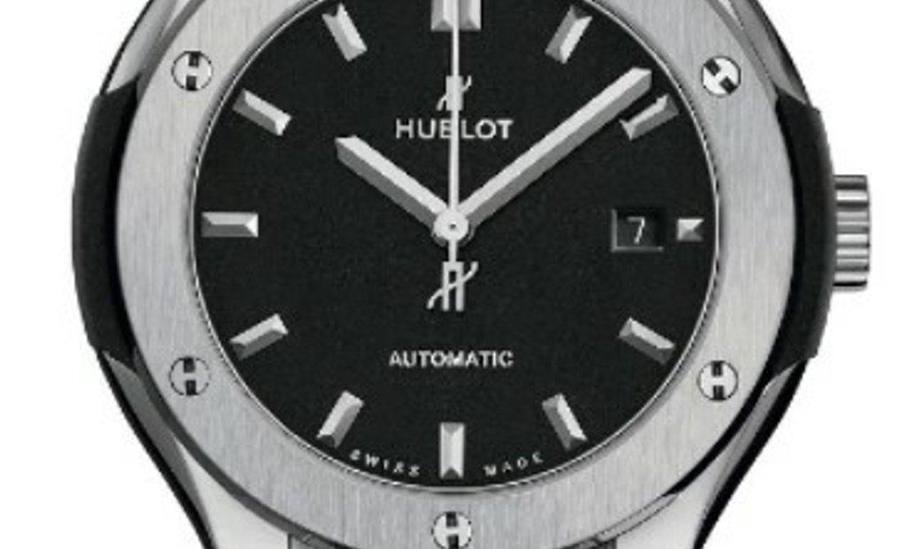 HUBLOT CLASSIC FUSION TITANIUM MATTE BLACK AUTOMATIC 33MM 582.NX.1170.RX