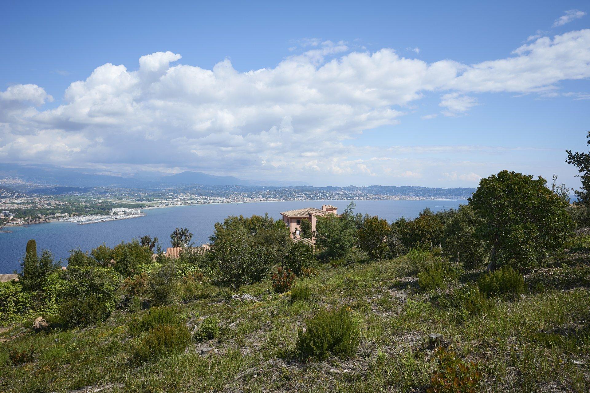 Land in Théoule-sur-Mer, Provence-Alpes-Côte d'Azur, France 1
