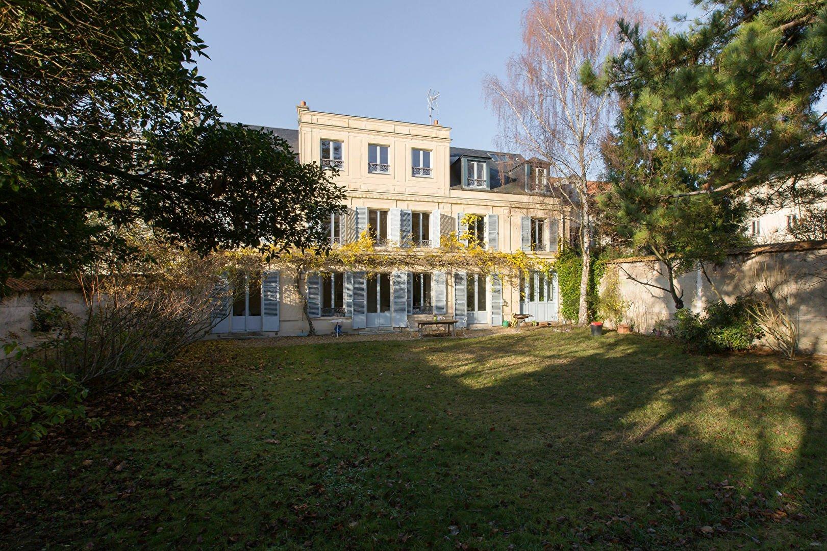 Autres à Versailles, Île-de-France, France 1 - 11347775