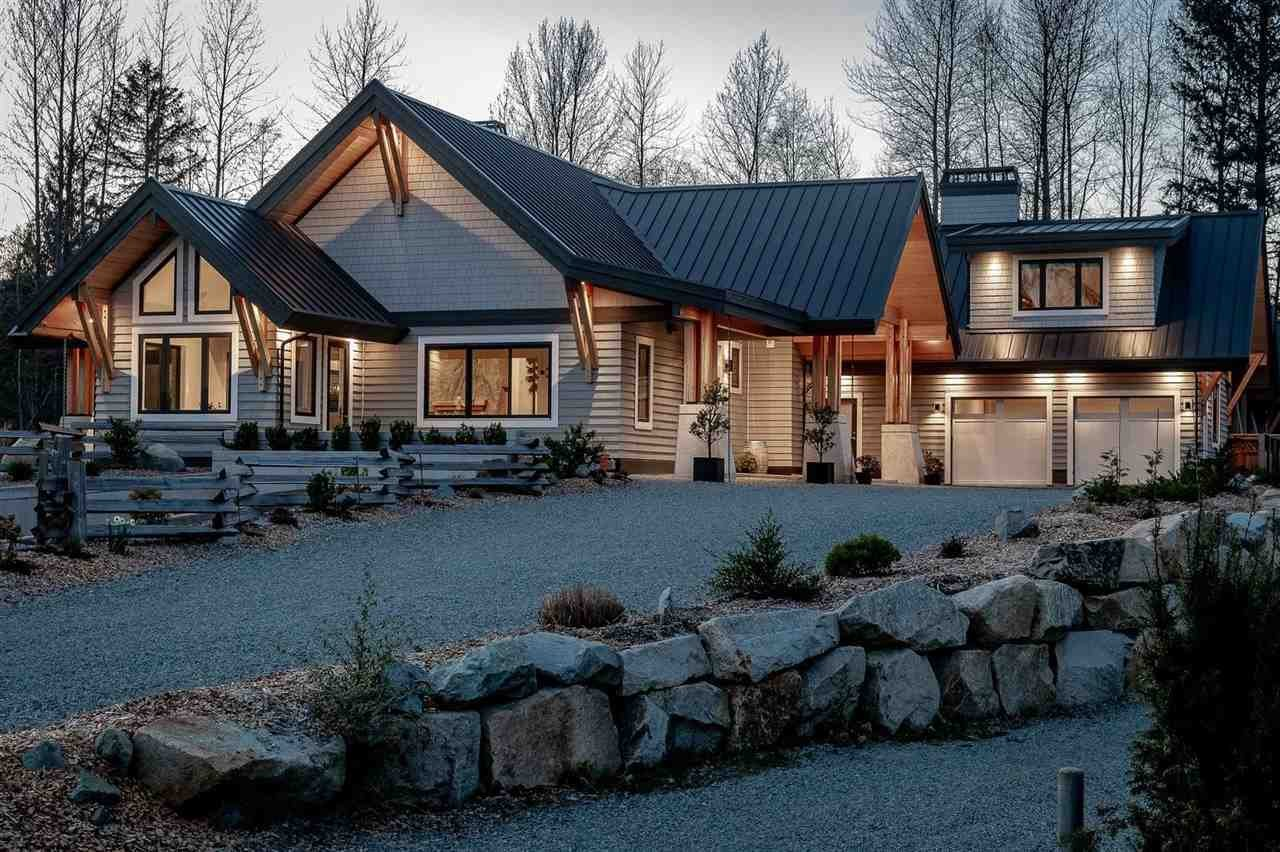 Apartment in Squamish, British Columbia, Canada 1 - 11417859
