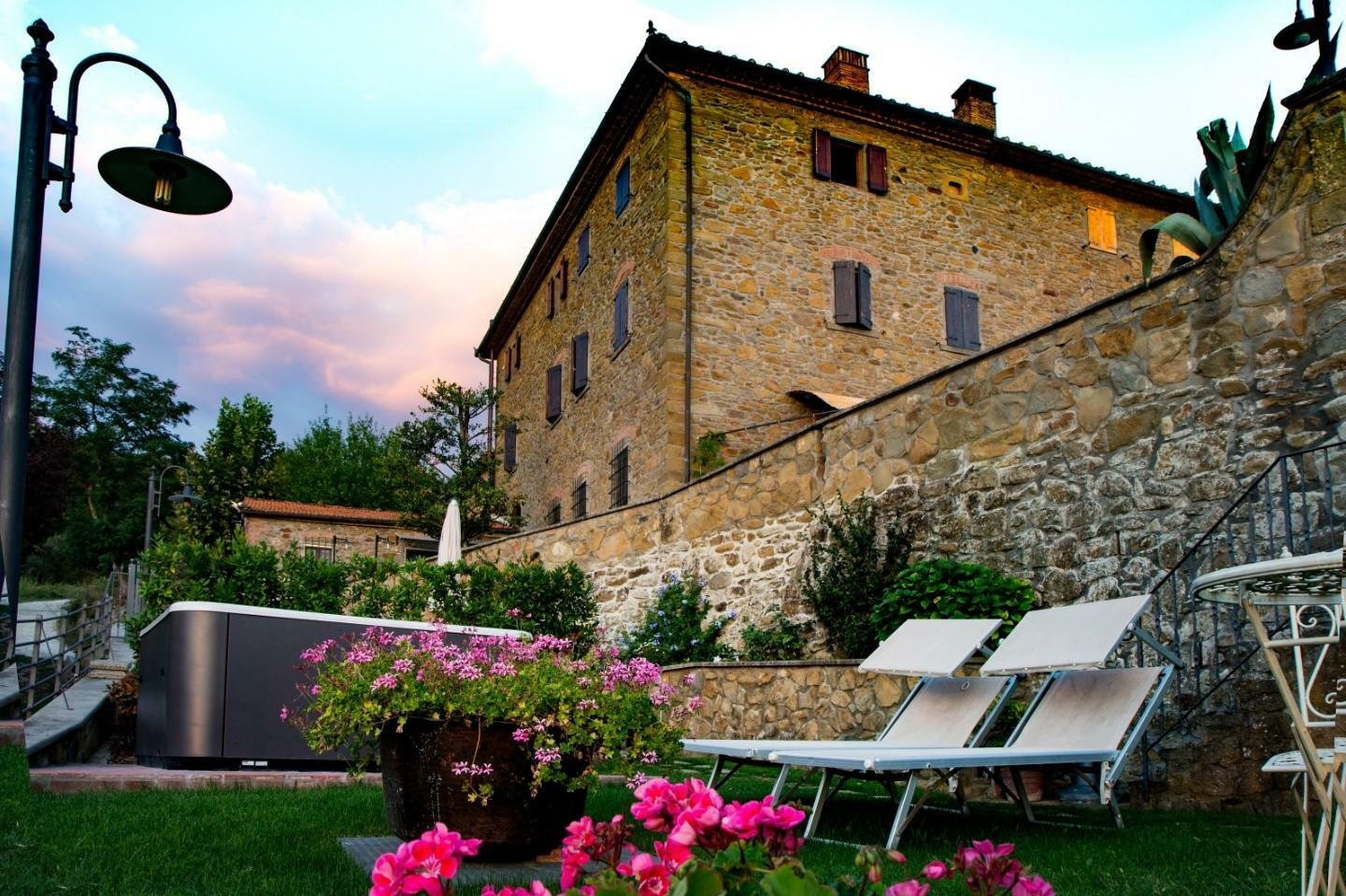 Country House in Vinci, Tuscany, Italy 1 - 11421119