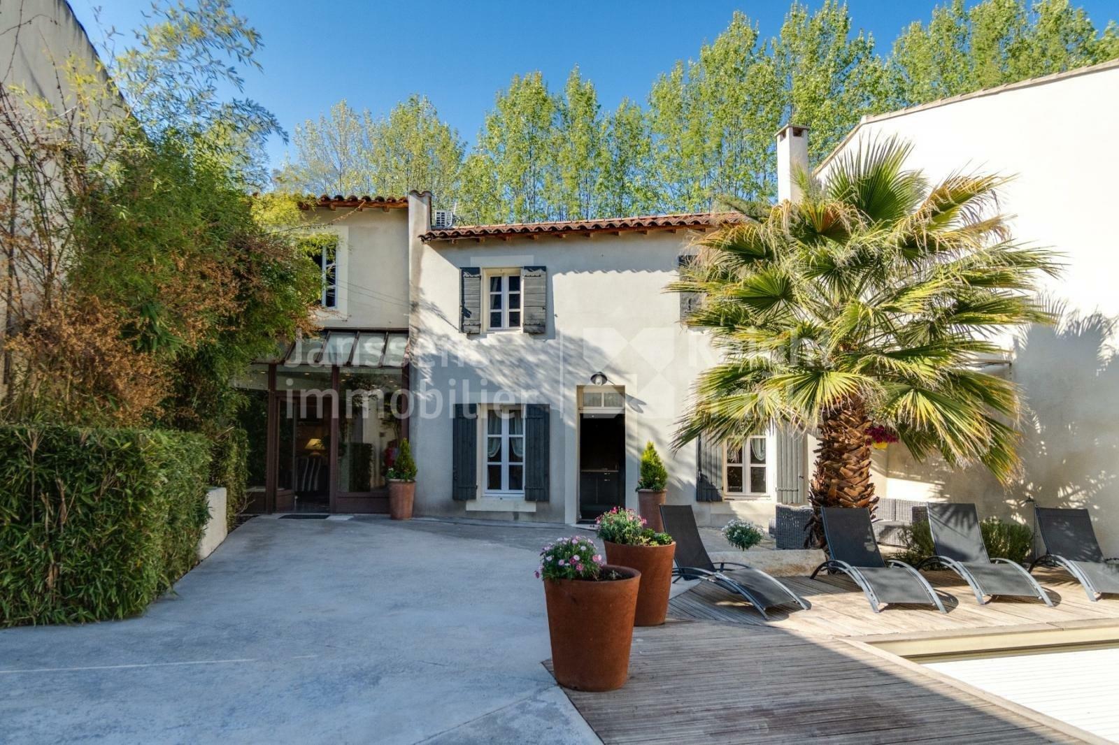 Villa in Eyragues, Provence-Alpes-Côte d'Azur, France 1
