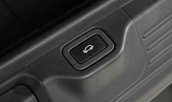 2016 Land Rover Range Rover 5.0L V8 Supercharged $115,415 MSRP