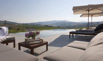 Villa in Fossombrone, Marche, Italy 3