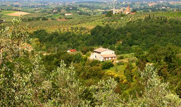 Country House in Vinci, Tuscany, Italy 1
