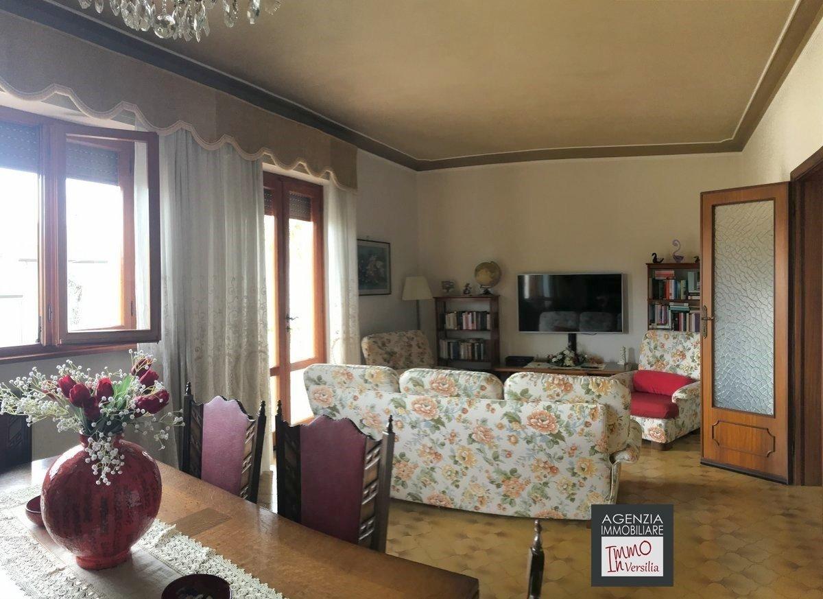Villa a Camaiore, Toscana, Italia 1 - 11433487