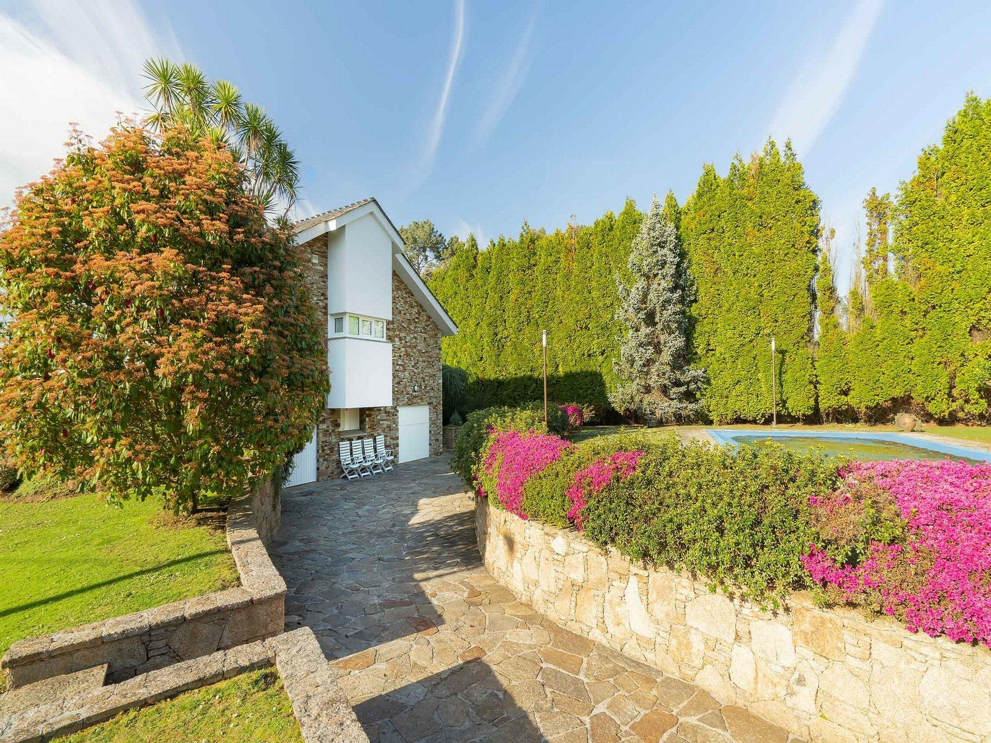 Haus in Oleiros, Galicien, Spanien 1 - 11430690