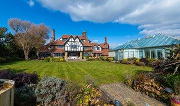 House in Bognor Regis, England, United Kingdom 1