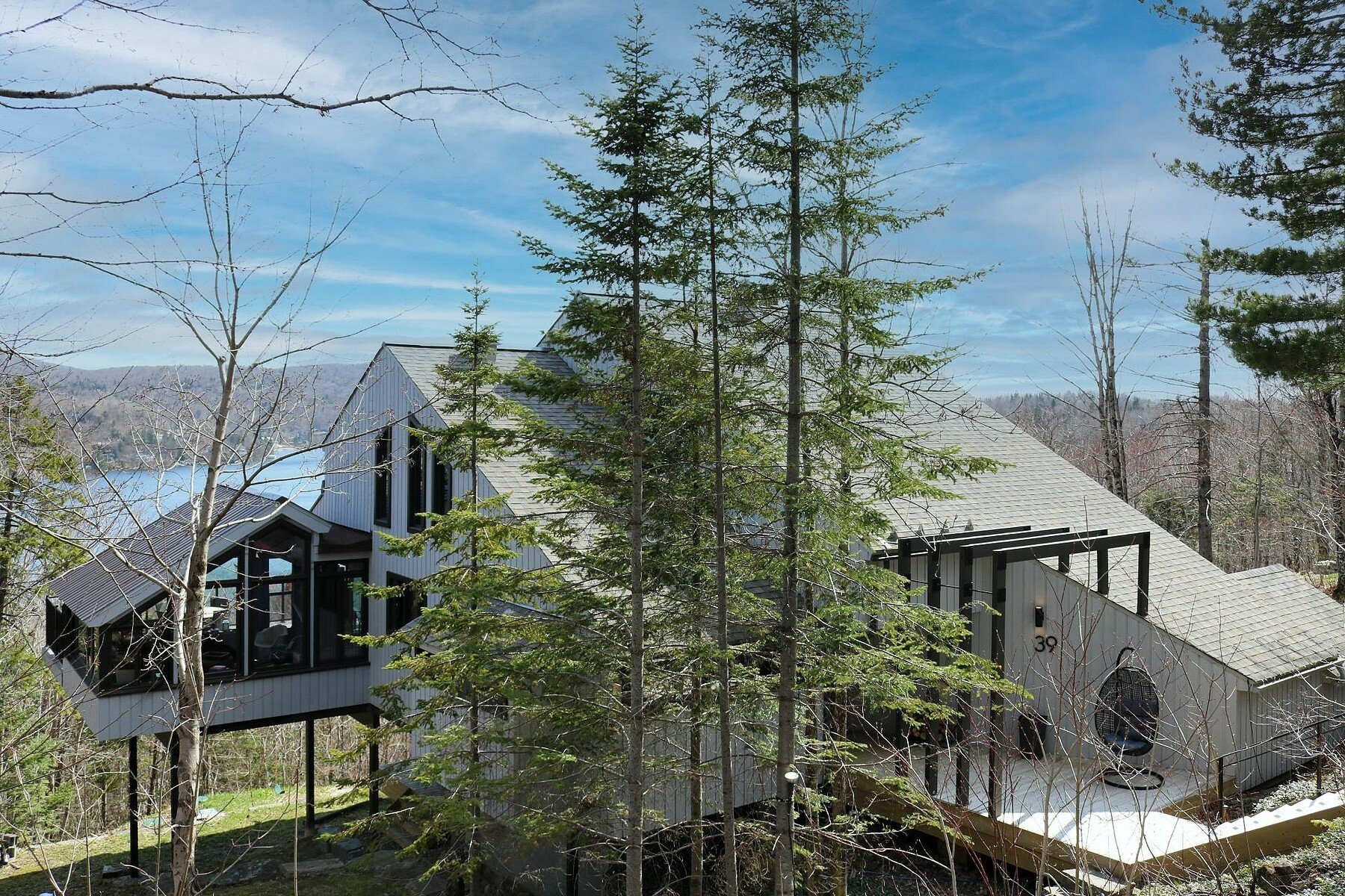 House in Lac-Beauport, Quebec, Canada 1