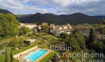 Estate in Spoleto, Umbria, Italy 1