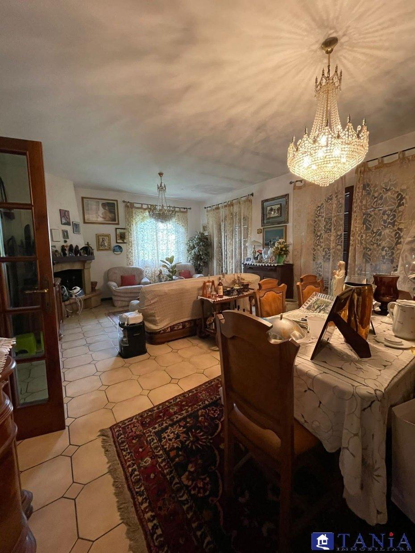 House in Marina di Massa, Tuscany, Italy 1 - 11433466