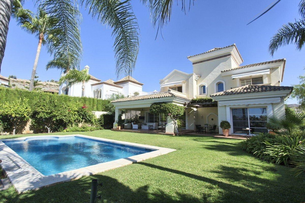 Villa in Benahavís, Andalusia, Spain 1 - 11434797