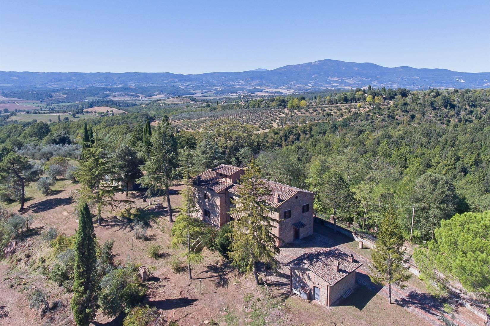 Farm Ranch in Umbria, Italy 1 - 10702503