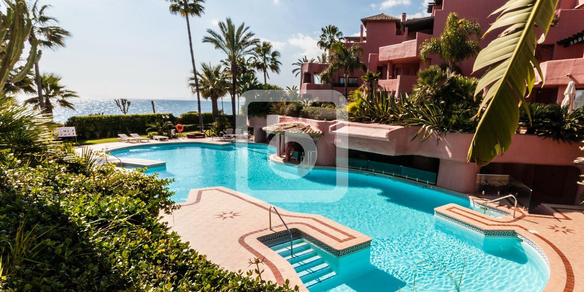 Appartamento a Estepona, Andalusia, Spagna 1 - 11439112