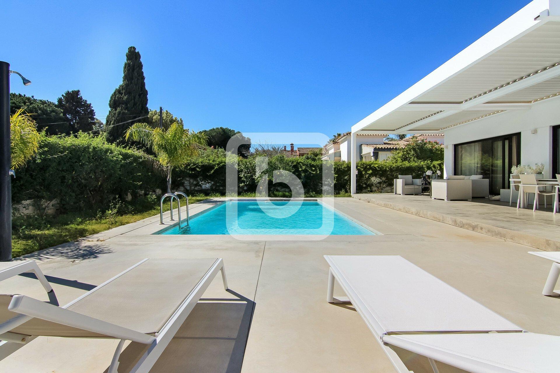 Villa a Marbella, Andalusia, Spagna 1 - 11439197