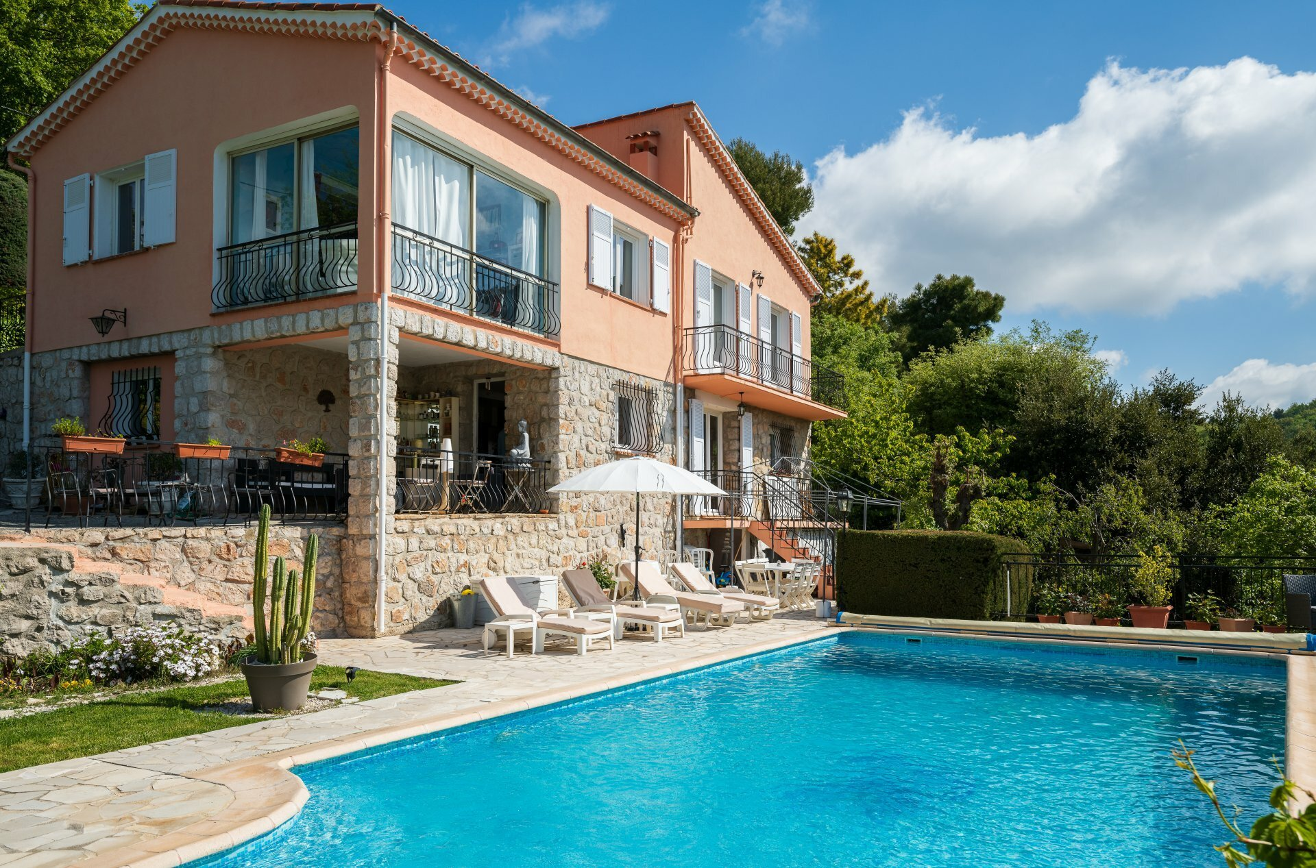Casa a Tourrette-Levens, Provenza-Alpi-Costa Azzurra, Francia 1 - 11440312