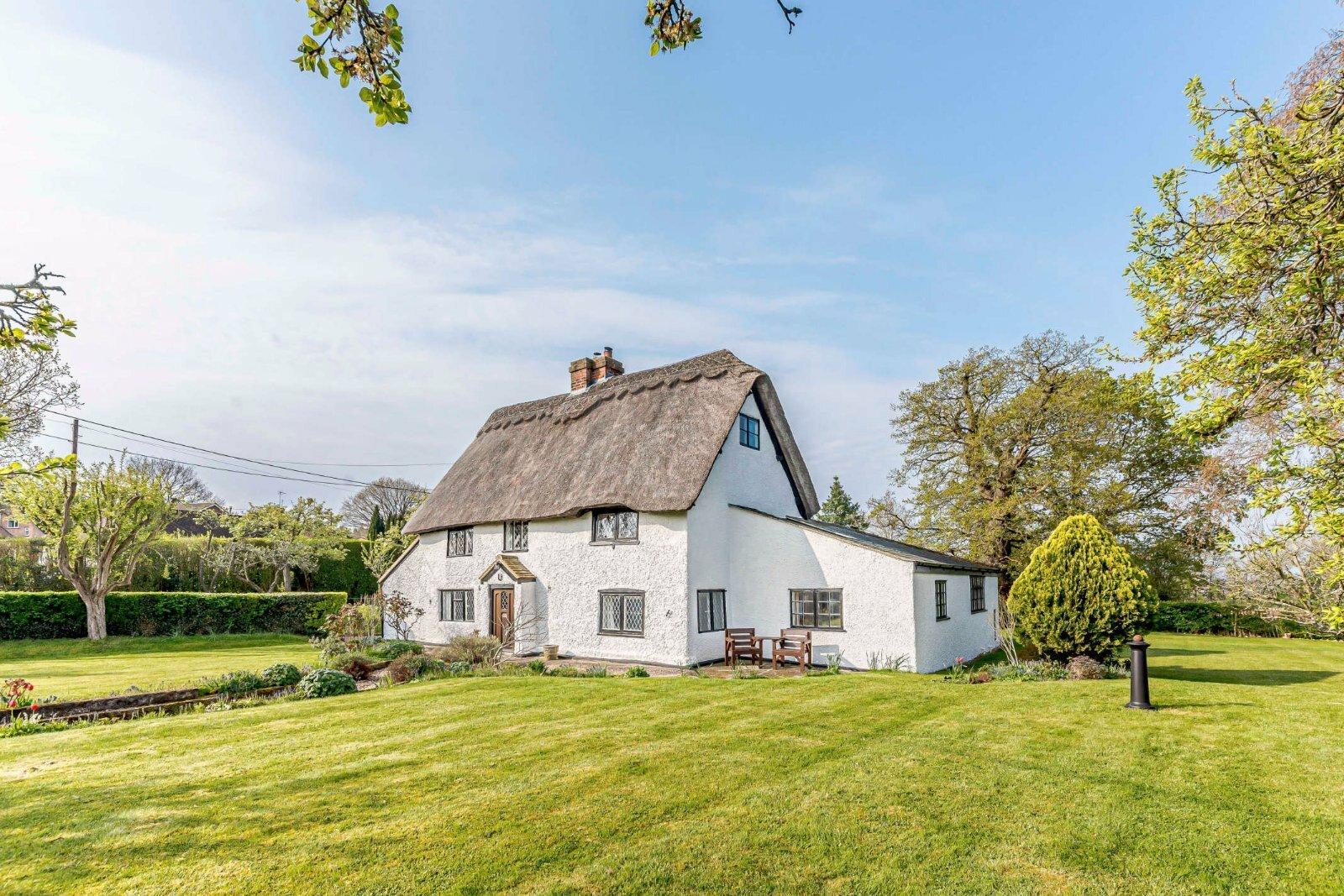 House in Sulhamstead, England, United Kingdom 1 - 11443753