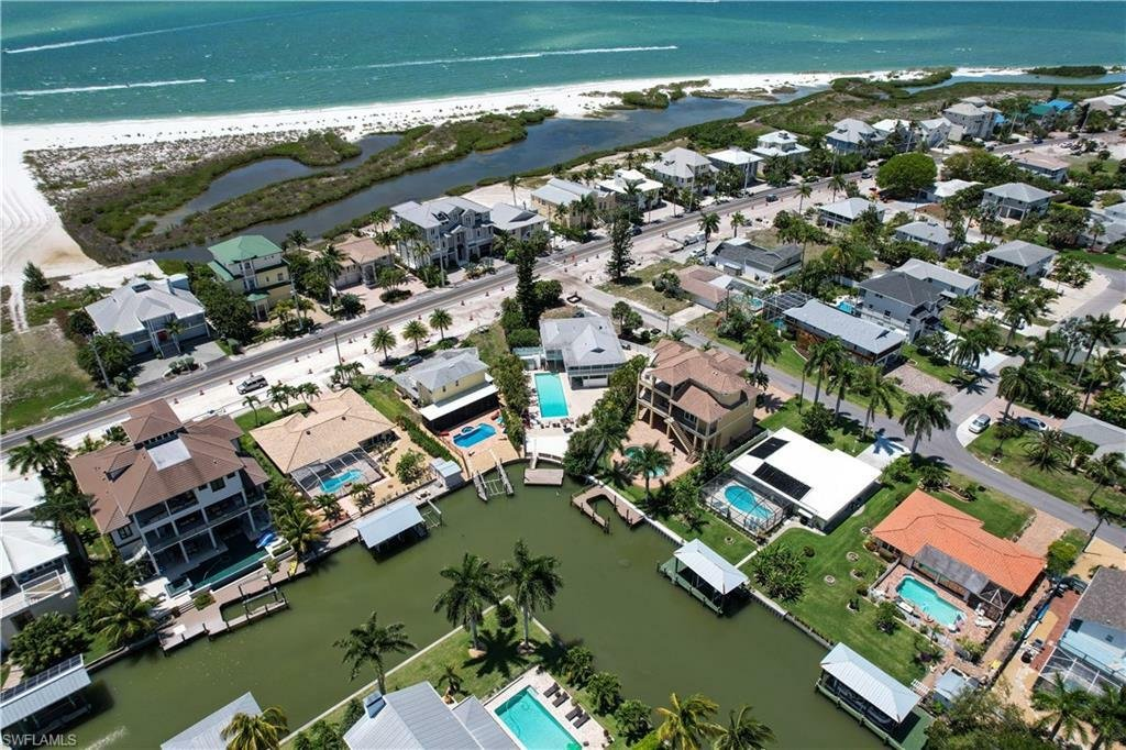 House in Fort Myers Beach, Florida, United States 1