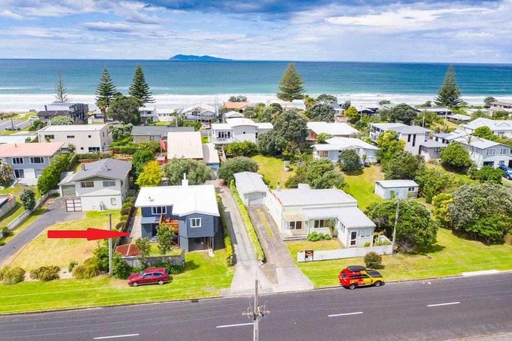 House in Waihi Beach, Bay of Plenty, New Zealand 1 - 11446105