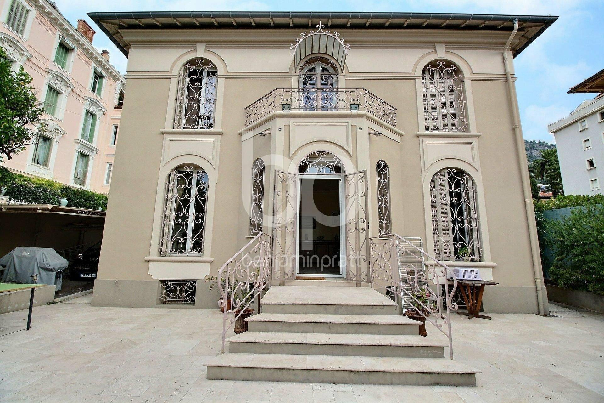 Villa in Beaulieu-sur-Mer, Provence-Alpes-Côte d'Azur, France 1 - 11282920