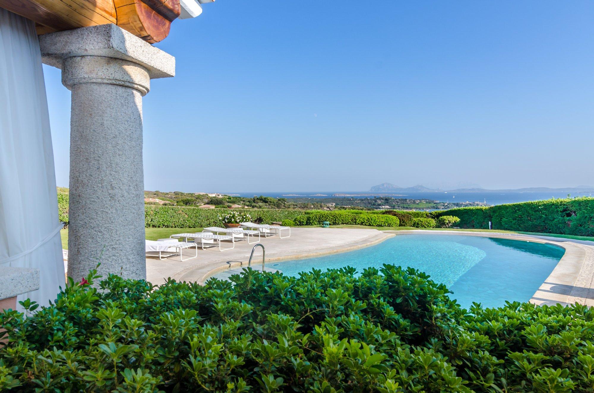 Villa in Cala di Volpe, Sardinia, Italy 1 - 11435281