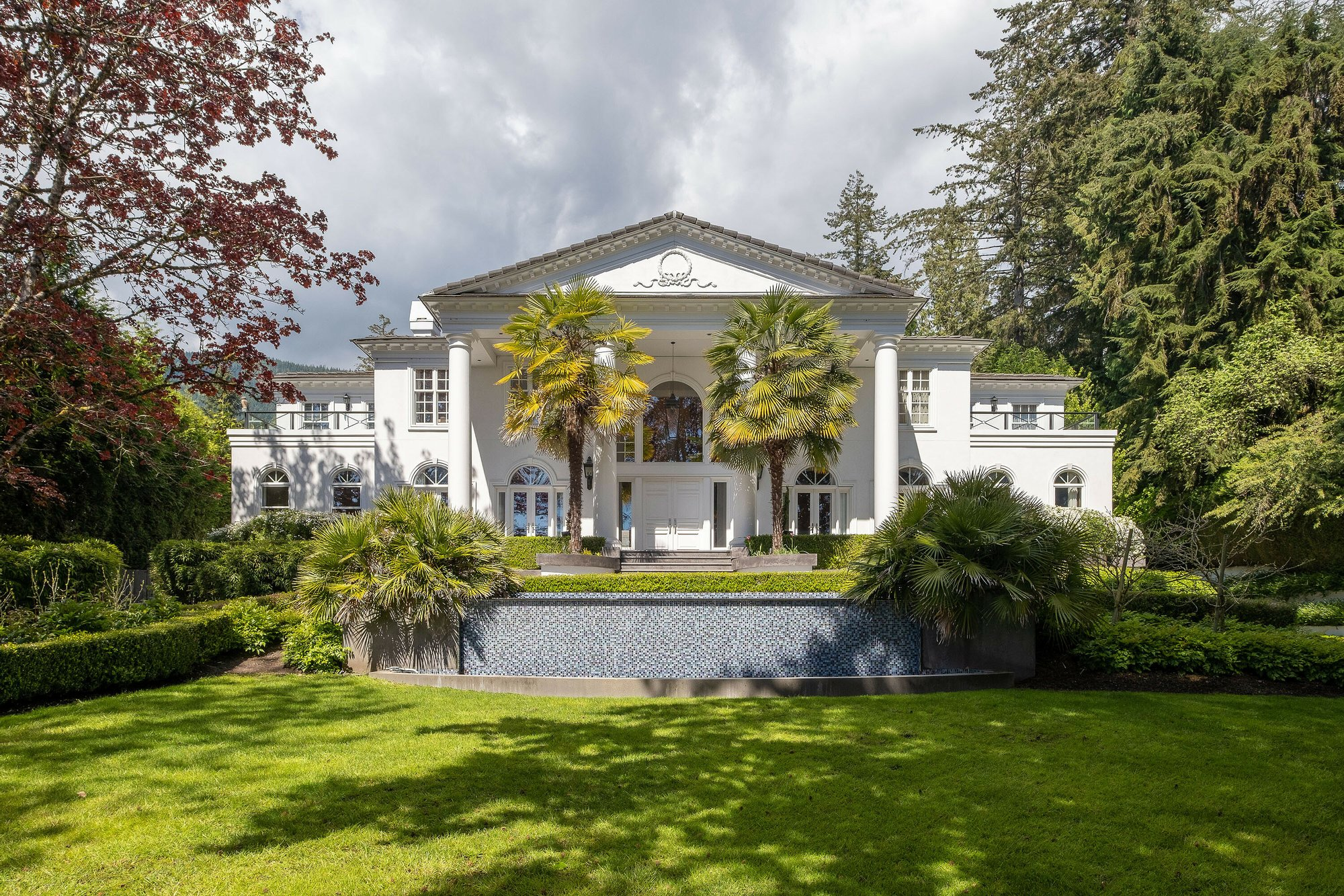 House in West Vancouver, British Columbia, Canada 1 - 11449926