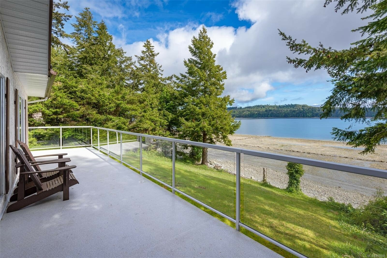 House in Fanny Bay, British Columbia, Canada 1