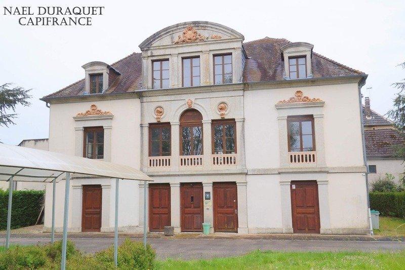 Castillo en Éclans-Nenon, Borgoña-Franco Condado, Francia 1 - 11452364