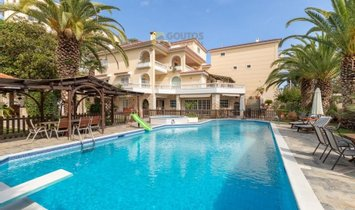 Villa in Voula, Decentralized Administration of Attica, Greece 1