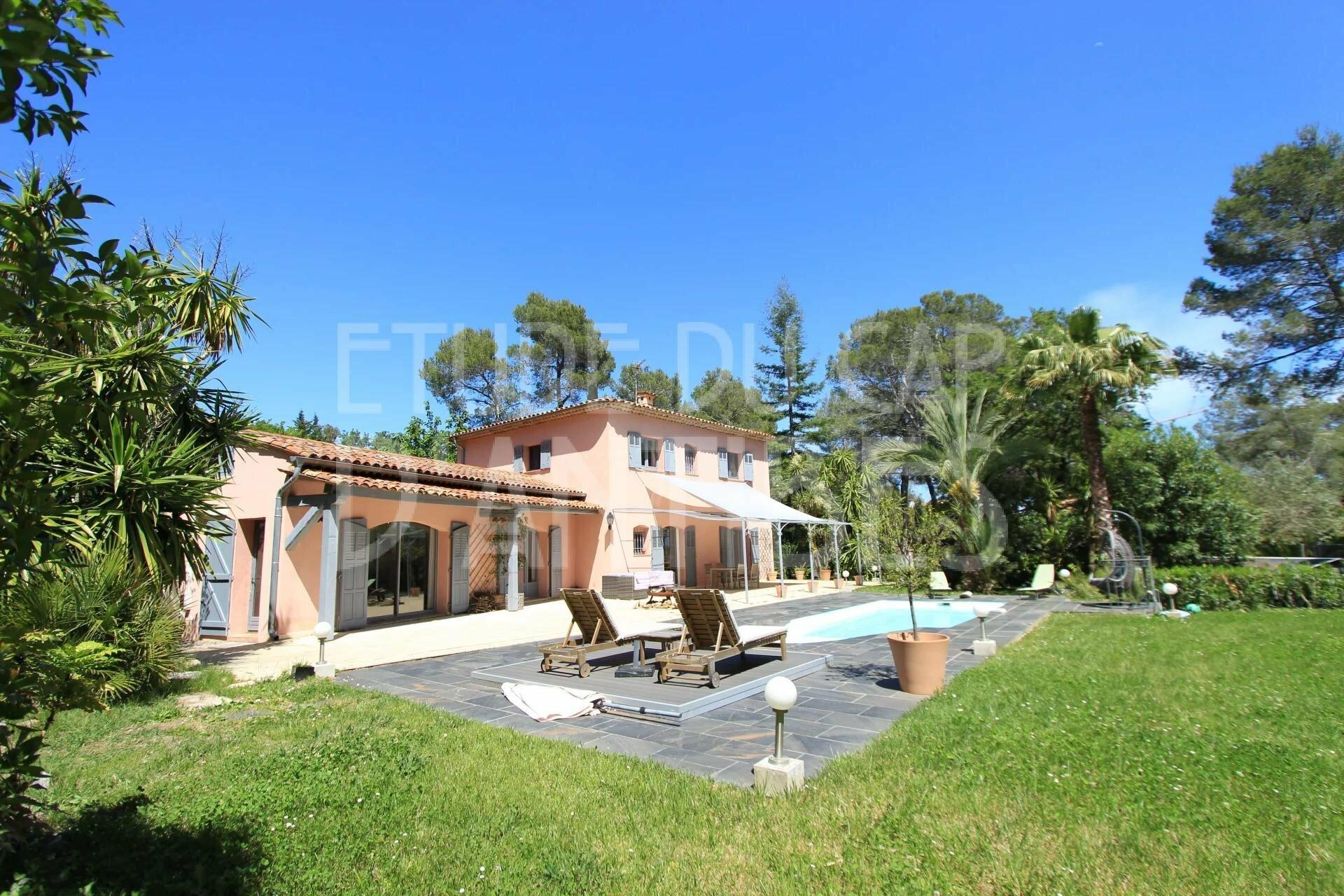 Villa in Mougins, Provence-Alpes-Côte d'Azur, France 1 - 11458901