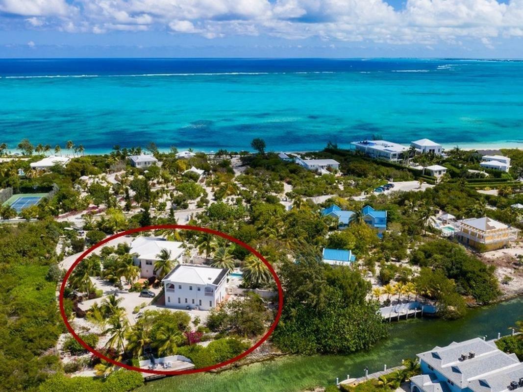 House in Grace Bay, Caicos Islands, Turks and Caicos Islands 1 - 11459223