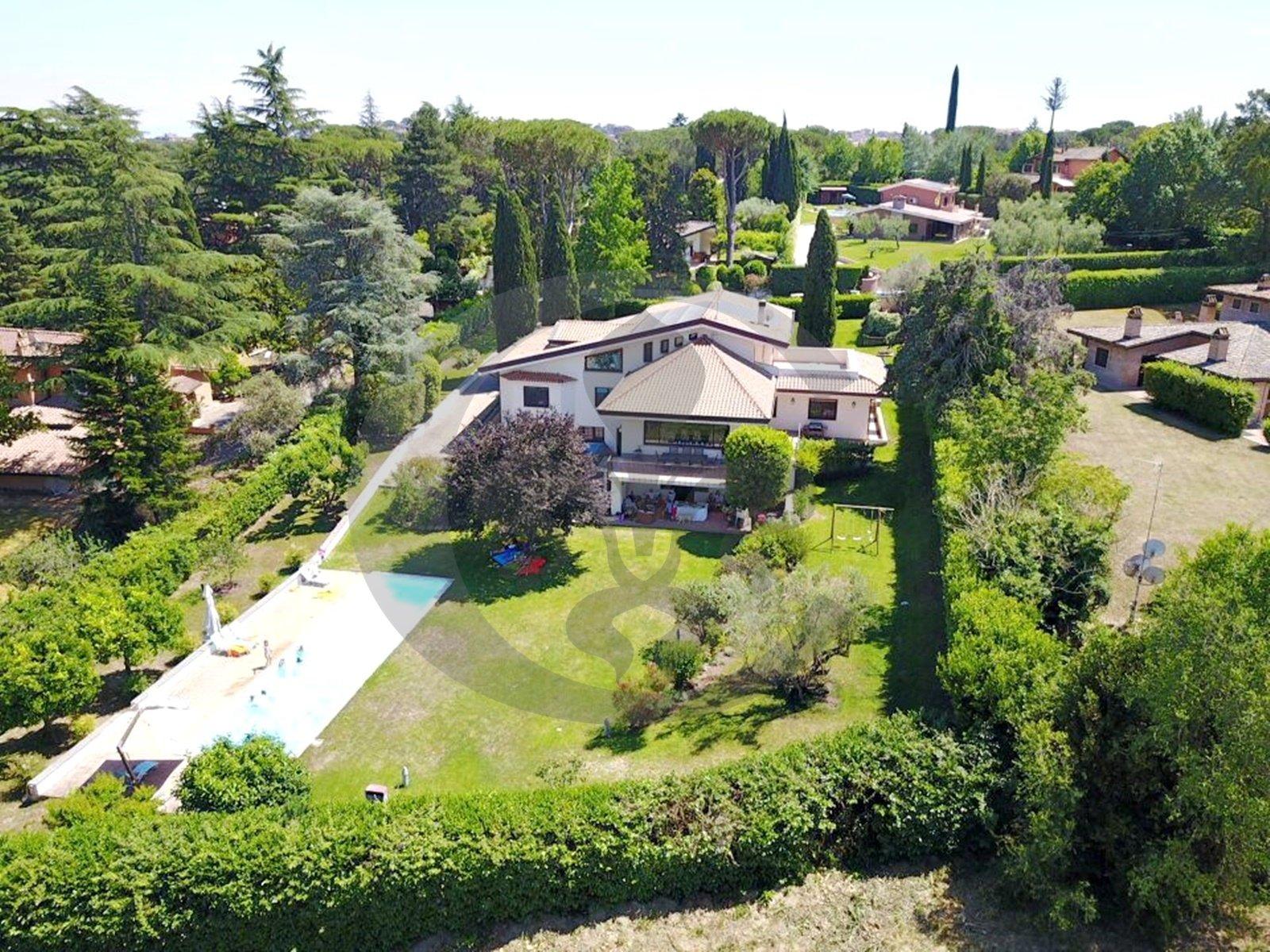 Villa in Rome, Lazio, Italy 1 - 11461704