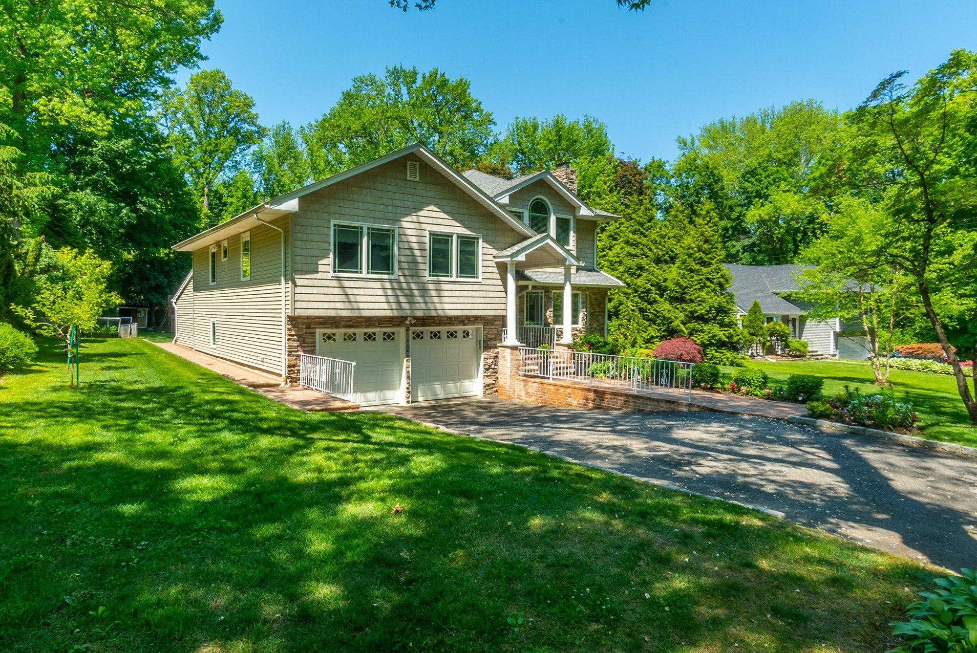 House in Manhasset, New York, United States 1 - 11461892