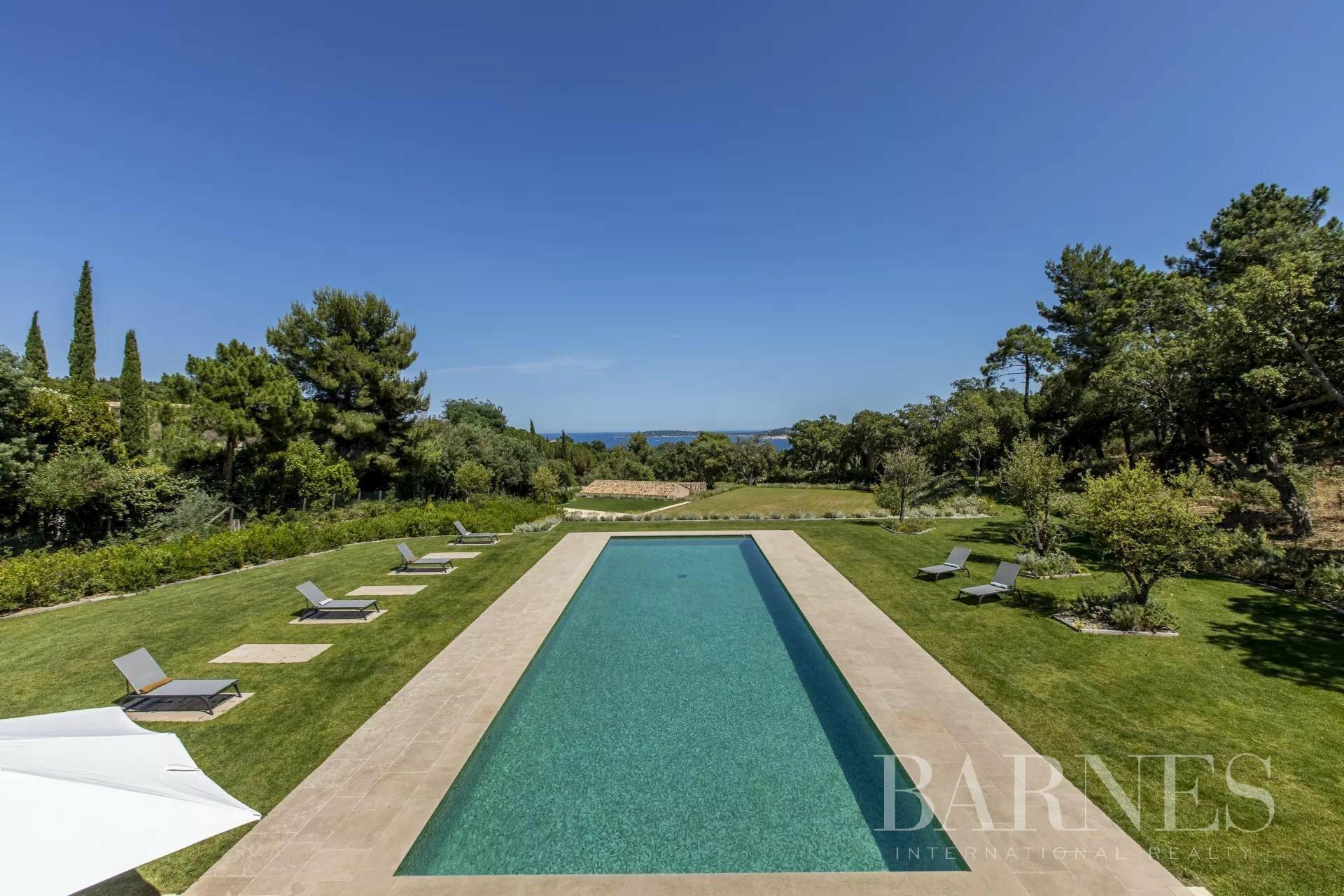 Villa in Grimaud, Provence-Alpes-Côte d'Azur, France 1 - 11462426