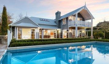 House in Wairoa, Bay of Plenty, New Zealand 1