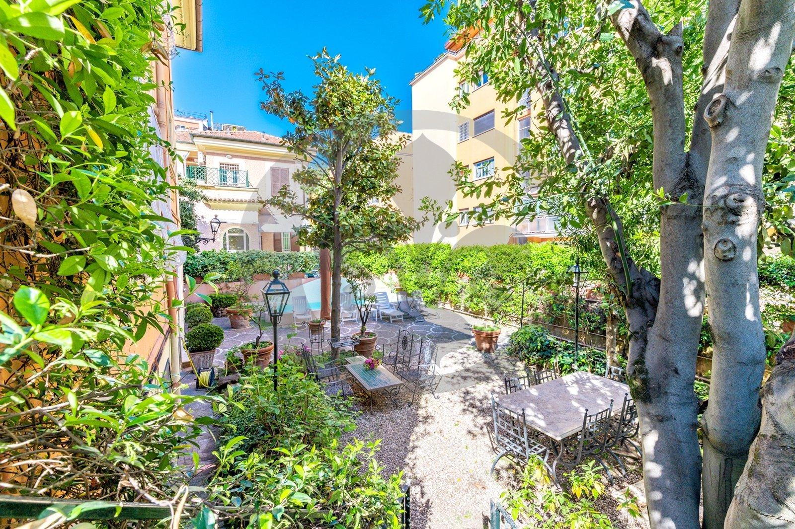 Villa in Rome, Lazio, Italy 1 - 11464777