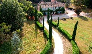 château à Toulouse, Occitanie, France 1