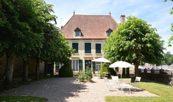 Maison à Bourbon-Lancy, Bourgogne-Franche-Comté, France 1