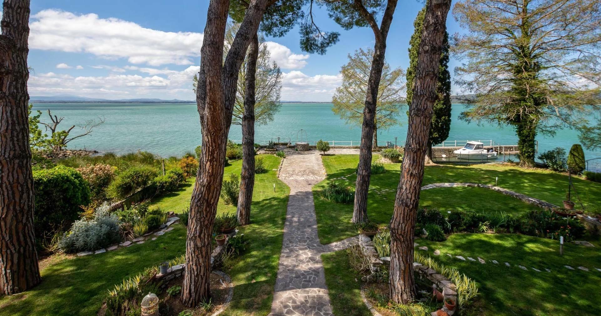 Isola Maggiore, Umbria, Italy 1 - 11474364