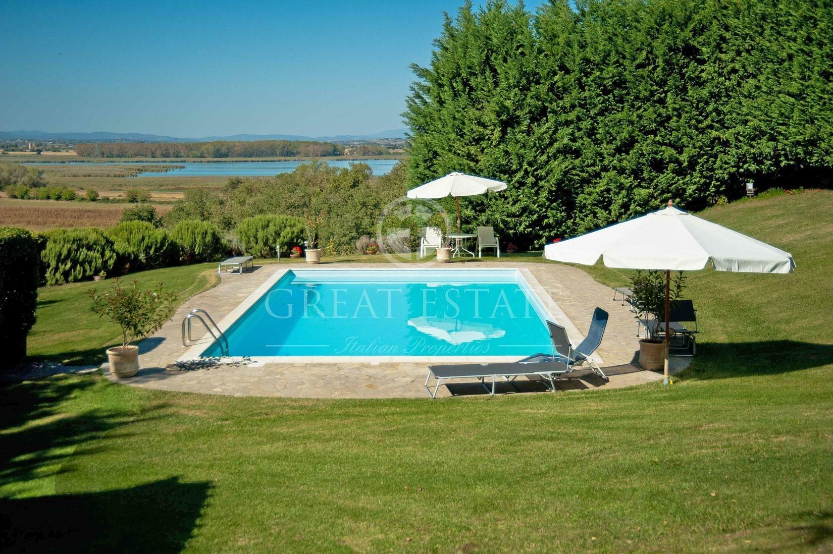 Estate in Castiglione del Lago, Umbria, Italy 1 - 11475621