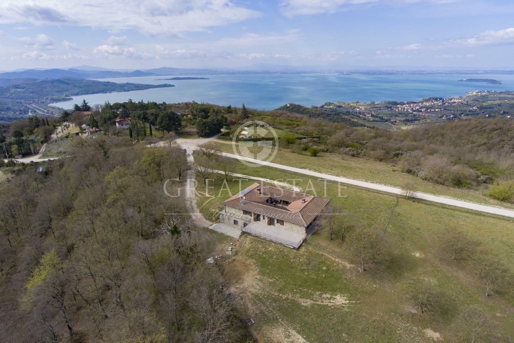 Estate in Passignano sul Trasimeno, Umbria, Italy 1 - 11475650