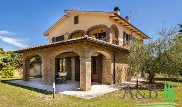 Farm Ranch in Montepulciano, Tuscany, Italy 1