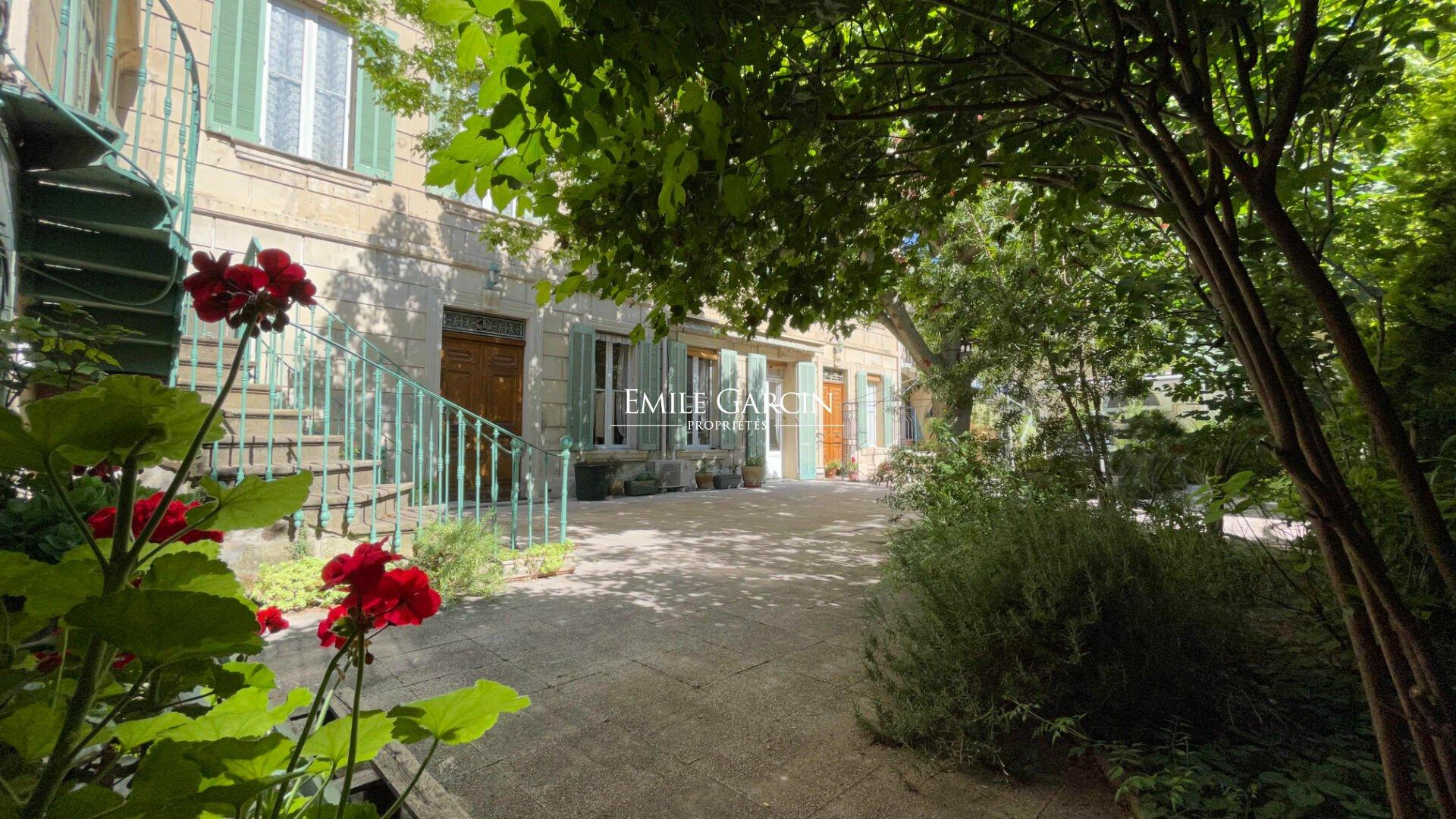 House in Salon-de-Provence, Provence-Alpes-Côte d'Azur, France 1